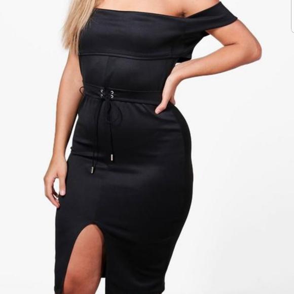 4dc911e5dfc5 Boohoo Dresses & Skirts - NEW ITEM!! Plus Size Belted Bandeau Midi Dress
